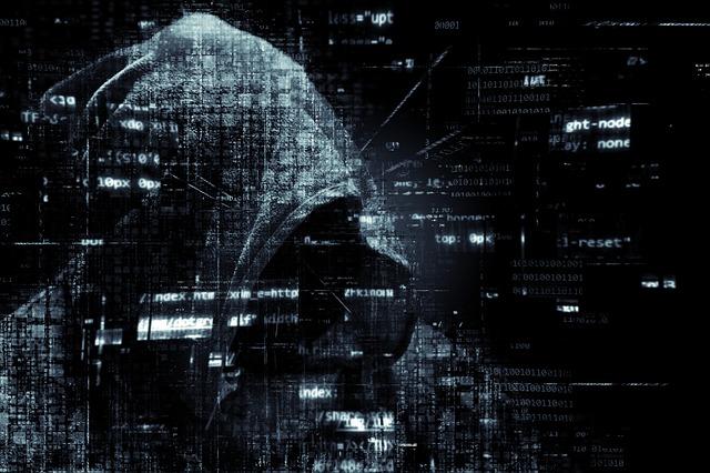 hacker-2300772_640